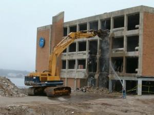 Αποξήλωση-αποδόμηση κτιρίων και καταστημάτων. φλώρος σκραπ